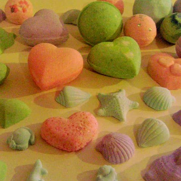 bruisballen-workshop-natuurlijke-cosmetica-recept-bruisballen-kinderfeest