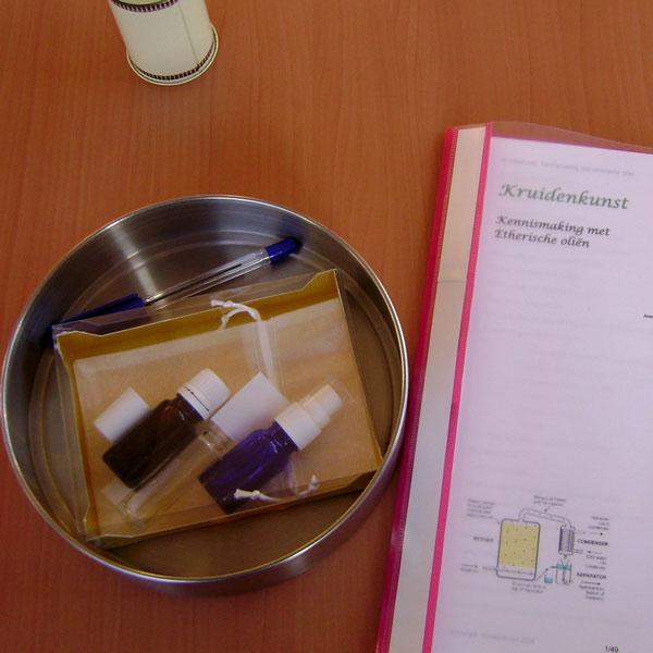 kennismaken-met-ethersiche-olie-etherische-olien-gebruiken-in-de-zorg-s-Heerenloo-essentiele-olie